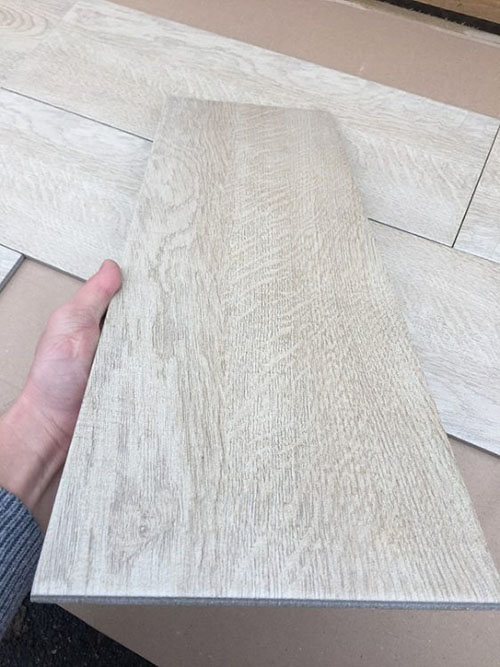 Керамическая плитка под натуральное дерево