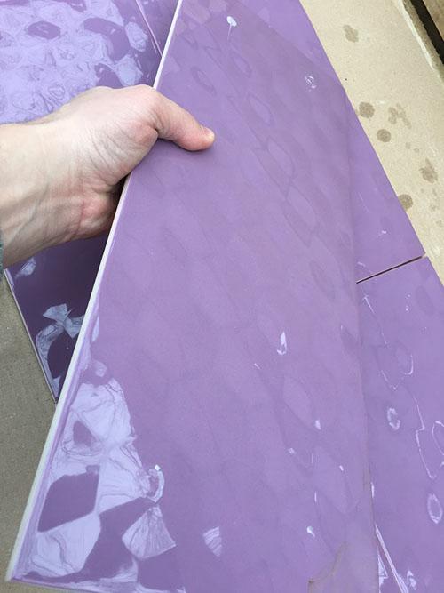 Фиолетовая плитка в ванную